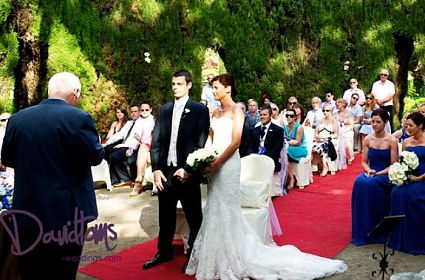 Ceremony in Bates secret garden 425x280