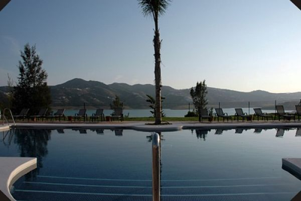 BOUTIQUE HOTEL OVERLOOKING SPANISH LAKE AND MOUNTAINS 2